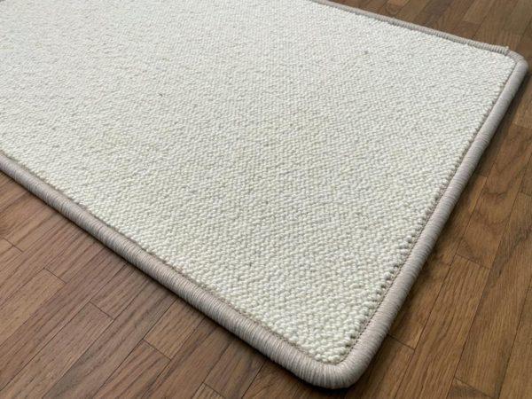 Foss weisser Teppichboden aus Schafswolle aus Island..