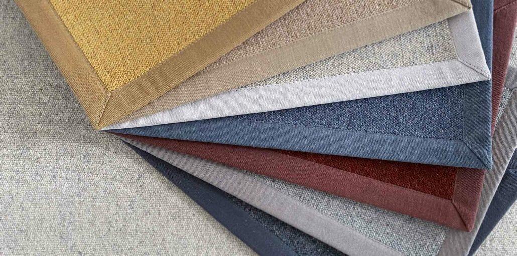 Teppichboden-Muster aufgefächert auf dem Antares Teppichboden.